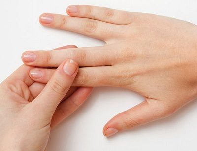 Clean Your Nails With Baking Soda