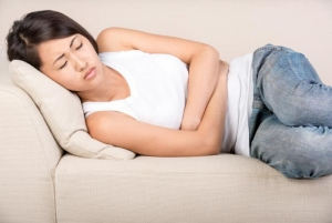woman-with-cramps-from-endometriosis