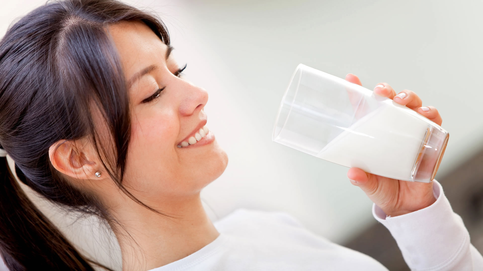 Top 10 Health Benefits of Drinking Milk Daily