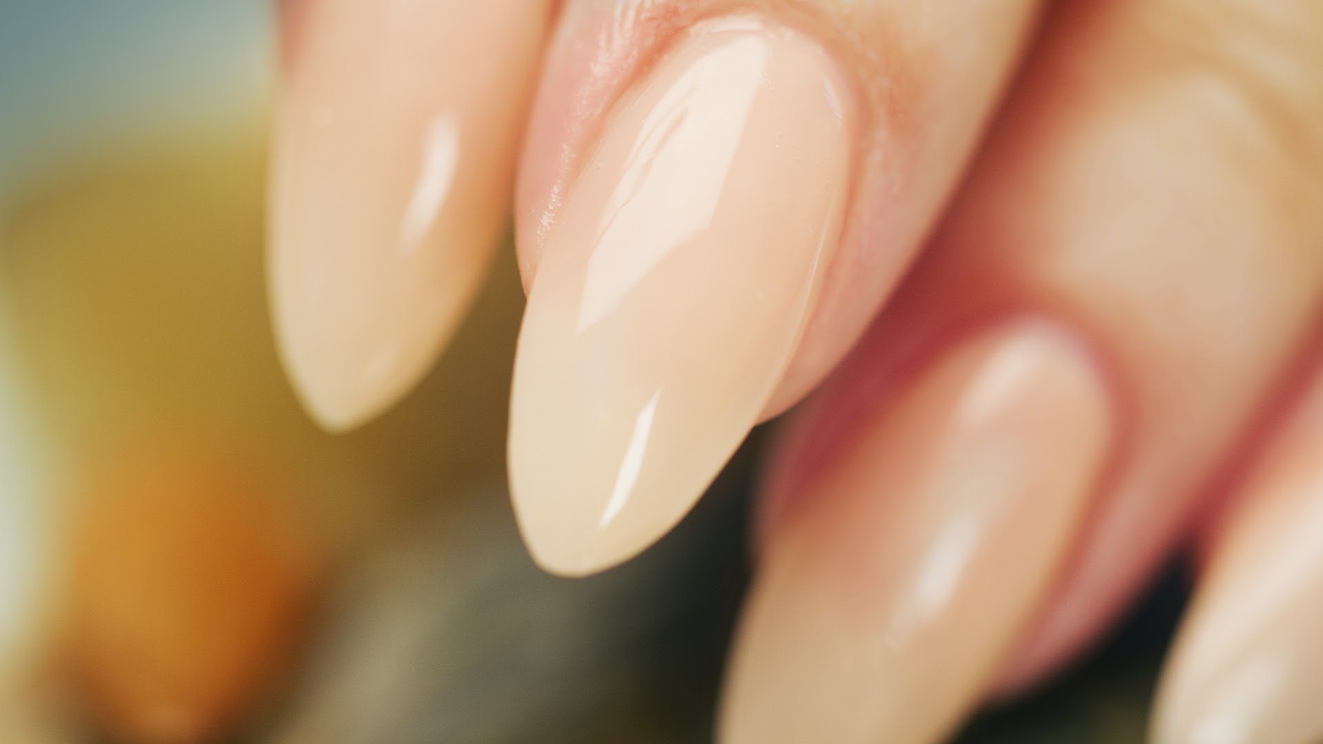How To Achieve Perfect Almond Shaped Nails?
