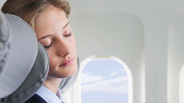 How to Minimize the Effects of Jet-Lag without Disturbing Your Sleep Cycle