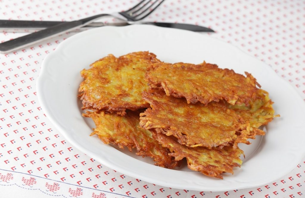 Don't bid good-bye to potatoes, Just make it healthy with this Crispy Potato Hash Browns recipe