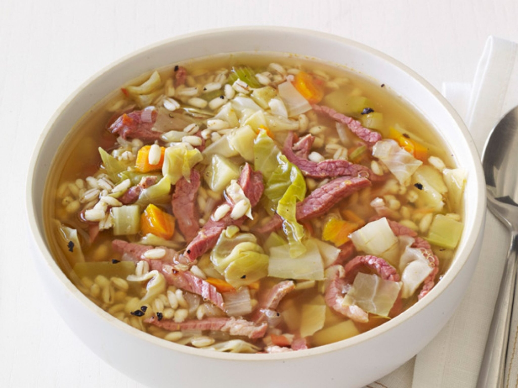 Are You Worried About Gaining Weight? Try This Delicious Cabbage Soup That Can Burn Your Fat