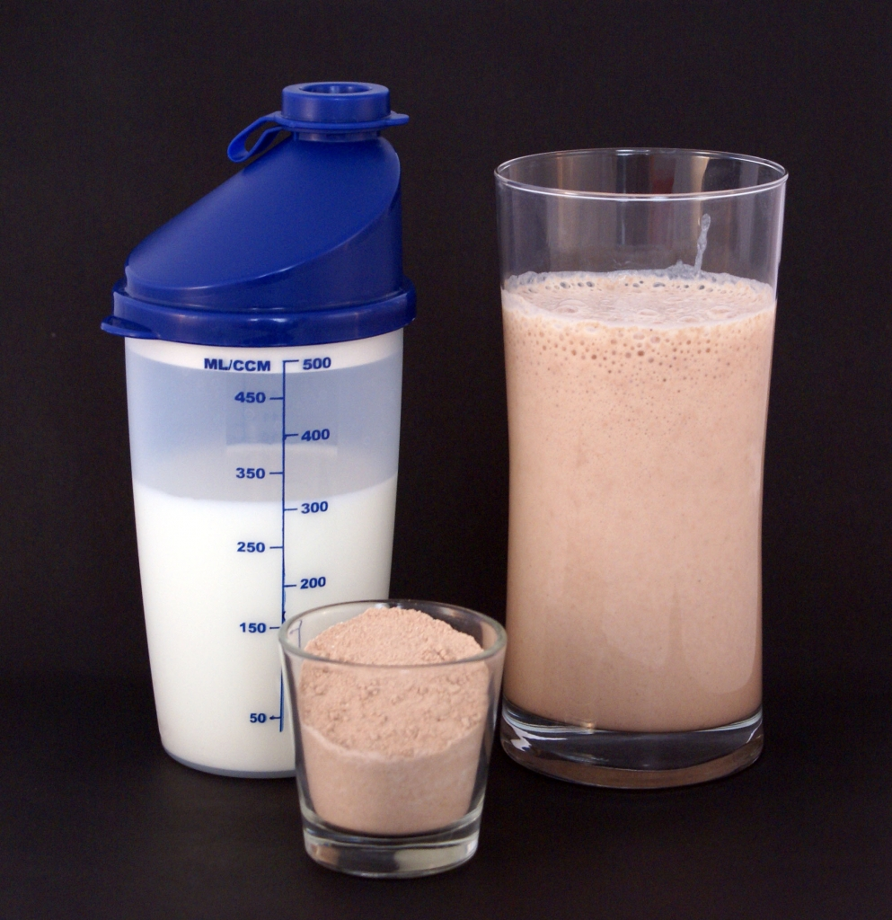 Stop Overeating For Weight Gain, Try Protein Shakes Instead