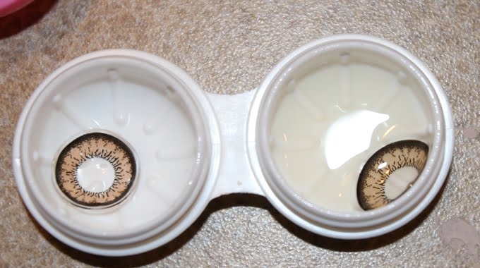 Do Not Make These Mistake While Using Contact Lenses