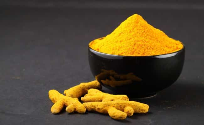 Turmeric powder for sensitive skin
