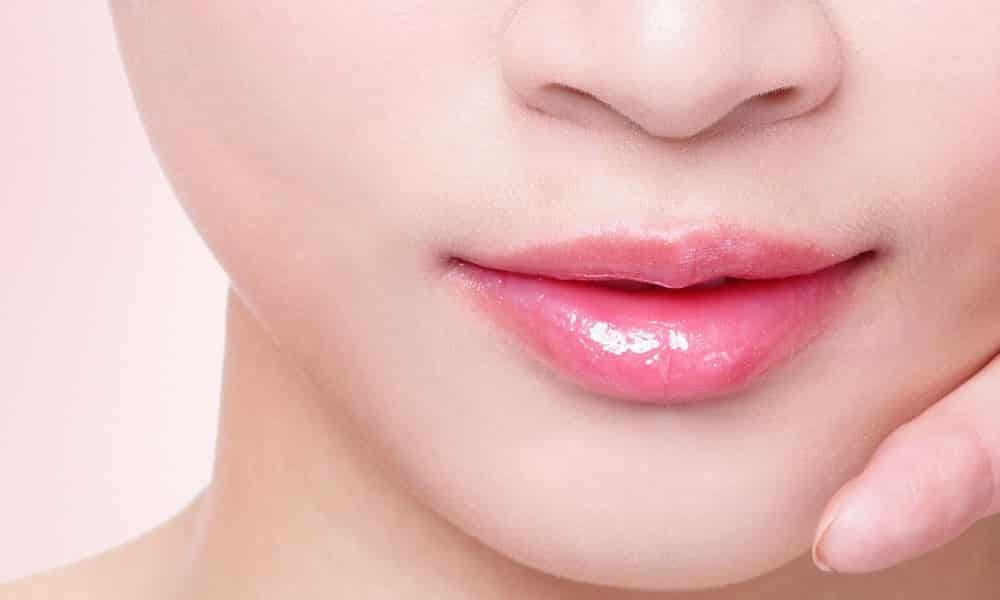 Home Remedies To Treat Dark Lips Permanently
