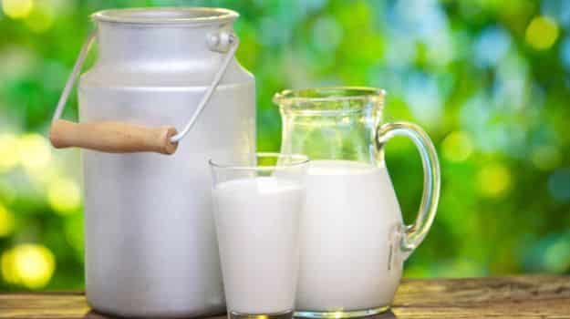Fresh raw milk