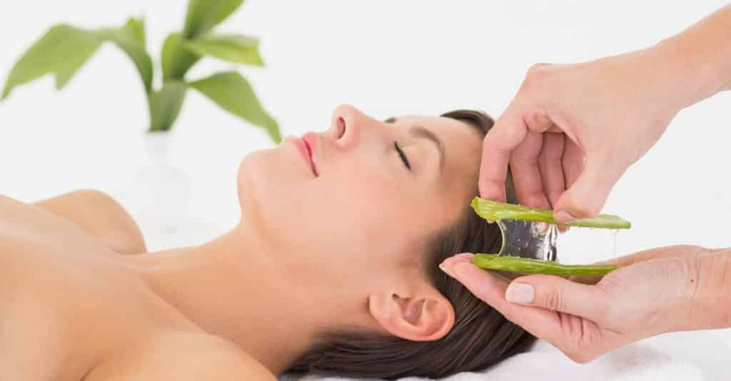Reduce Dandruff with Aloe Vera